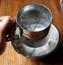 Sift icing sugar to mascarpone