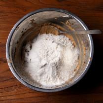 Flour+baking powder sifted