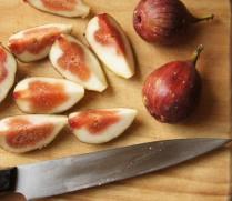 Quarter the figs
