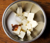 Cream cheese+sugar+vanilla