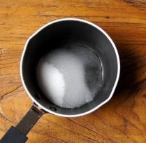 Sugar+water in a pan