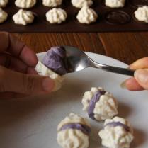 Assemble the meringues - 1