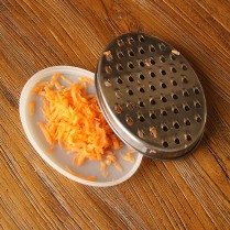 Grate carrot (coarsely)