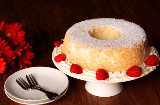 Almond Angel Food Cake with Amaretto Cream