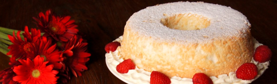 Almond Angel Cake with Amaretto Cream