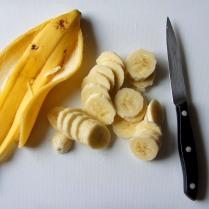 Slice the bananas