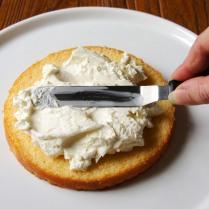 Spread with 1/3 cream