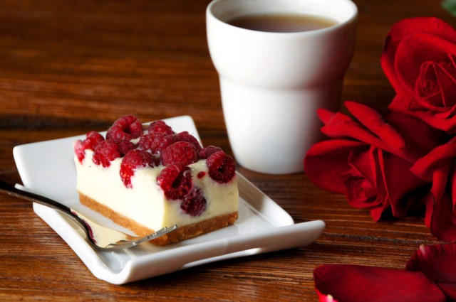 White Chocolate Raspberry Cheesecake Slice