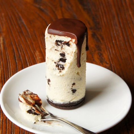 Cookies and Cream Cheesecake(s)